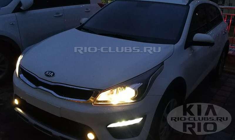 Опубліковані перші «живі» знімки нового Kia Rio X-line для Росії