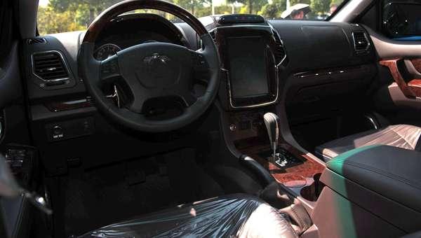 Новий кросовер Kawei Louis спереду виявився клоном Ford F-150 Raptor