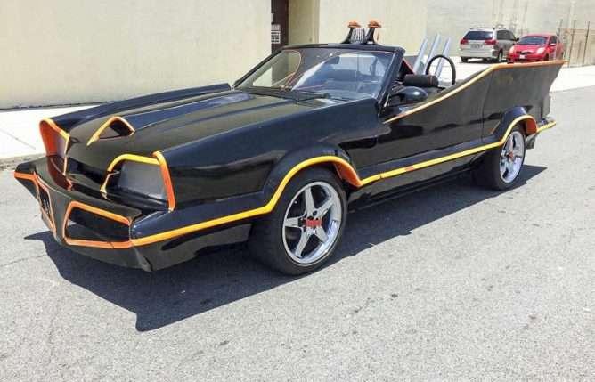 У США виставили на продаж перероблений в «Бетмобіль» Ford Mustang