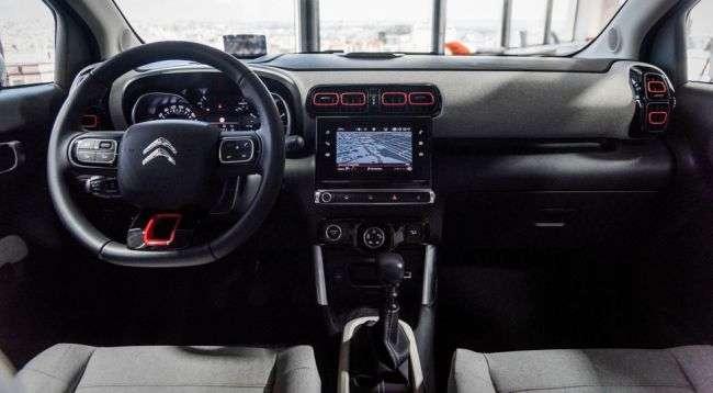 Оголошені французькі ціни на компактний кросовер Citroen C3 Aircross