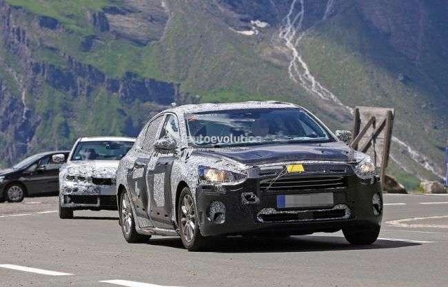 Нове покоління седана Ford Focus помітили в Альпах