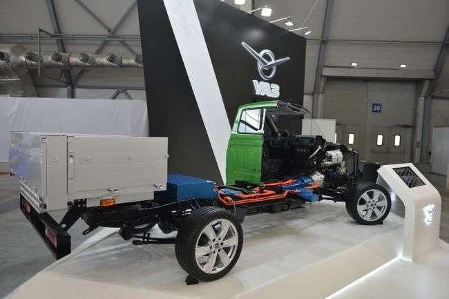 Відео: УАЗ офіційно представив свій перший гібрид — УАЗ Profi