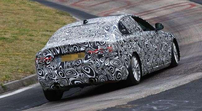 Подовжений седан Jaguar XEL помічений під час тестів