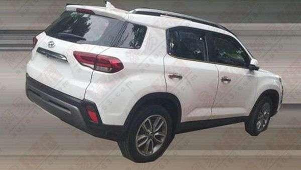 Фотошпигуни помітили на тестах кросовер Hyundai ix35 нового покоління