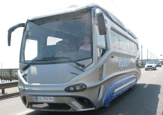 Відео: В Україні створили новий автобус з космічним дизайном