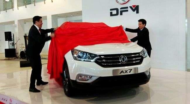 У DFM назвали ціни і комплектації нового кросовера DFM AX7