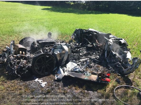 У Великобританії власник Ferrari розбив спорткар через годину після покупки