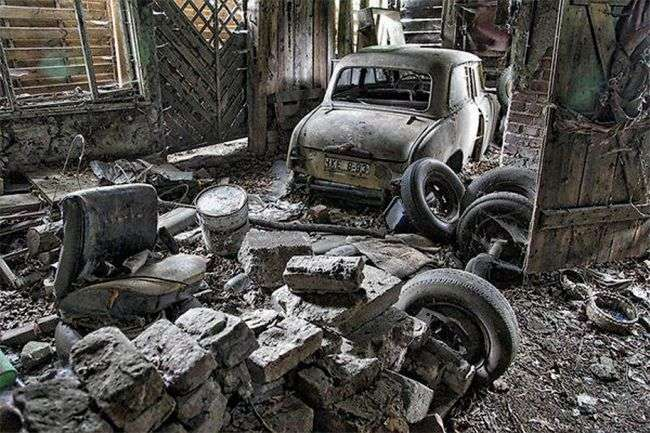 У Берліні знайшли занедбану майстерню з машинами «Москвич»