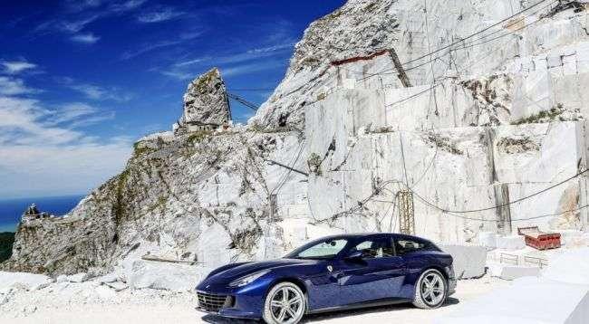 Стали відомі перші подробиці про новий кросовер Ferrari