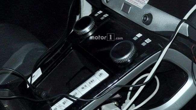 Дизайн салону серійного кросовера Jaguar I-Pace розсекречений в Мережі