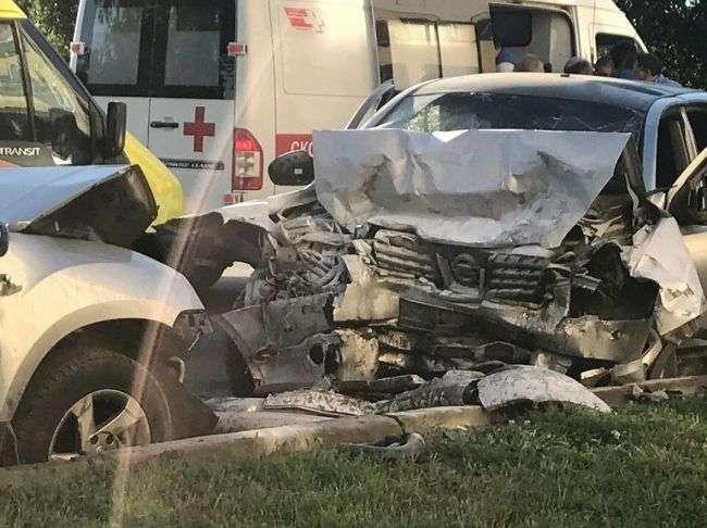 Жахлива ДТП в Уфі: в результаті зіткнення двох кросоверів постраждали діти