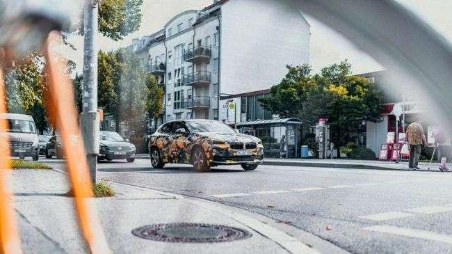 Опубліковані перші офіційні фото нового компакт-кросу BMW X2