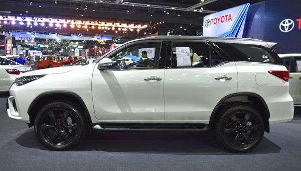 Toyota презентувала в Індонезії модель Toyota Fortuner TRD Sportivo