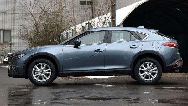 У Китаї почалися продажі оновленого крос-купе Mazda CX-4