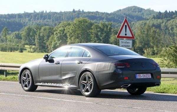 У Мережу потрапили шпигунські знімки Mercedes-Benz CLS без камуфляжу