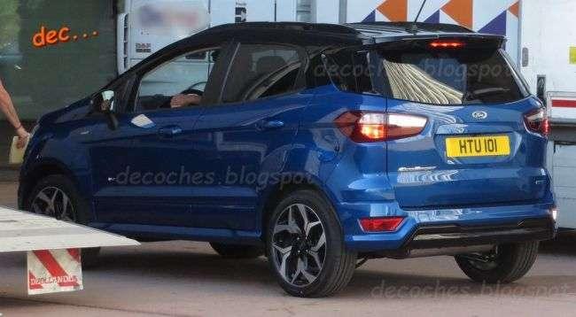 Новий Ford EcoSport у версії ST-Line помічений без камуфляжу