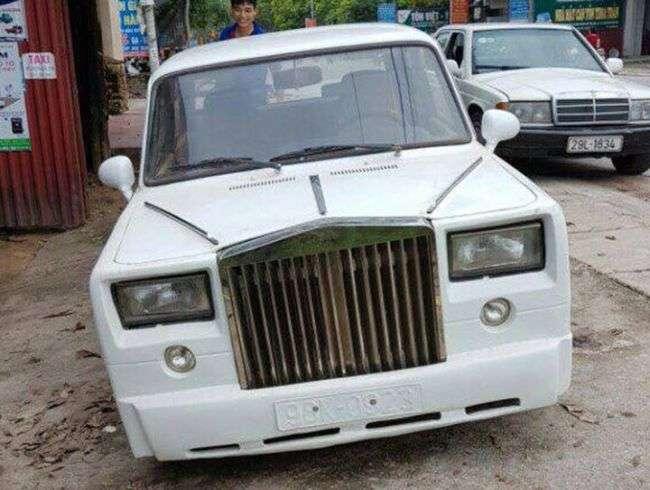 У Мережі показали підроблений Rolls-Royce Phantom на базі «Копійки»