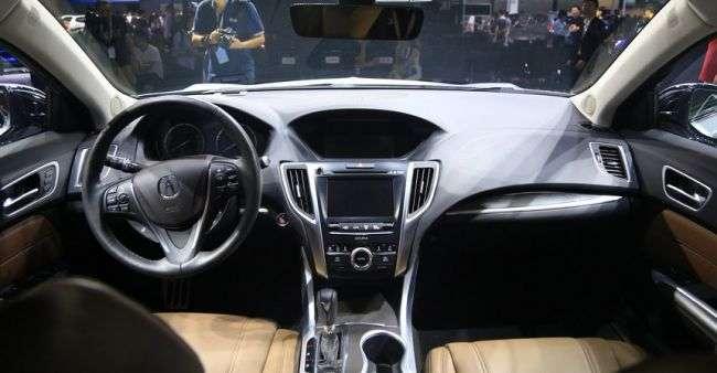 Acura в Ченду показала довгобазовий седан TLX-L