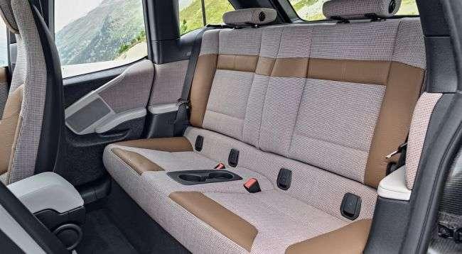 BMW i3 оновився і отримав спортивну версію BMW i3 s