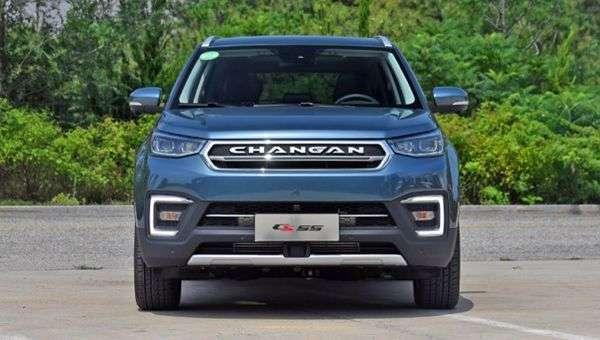 Кросовер Changan CS55 бюджетною версією обзаведеться