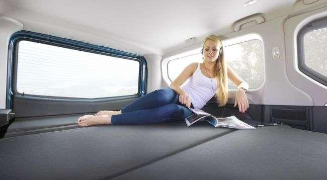 Opel представила новий туристичний фургон Opel Vivaro Life