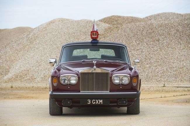 Bentley Mulsanne королеви Єлизавети II виставлений на аукціон в Лондоні