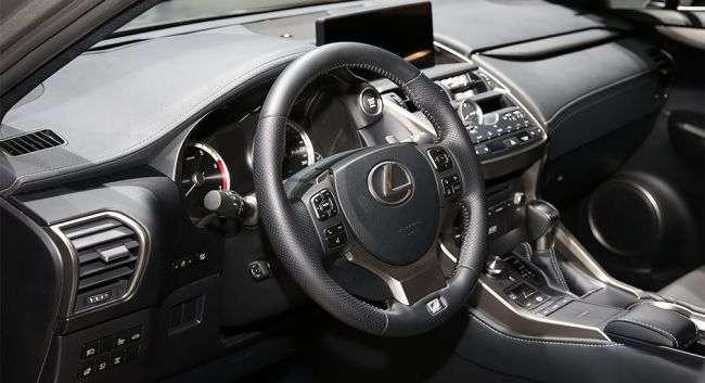 Lexus офіційно представив оновлений кросовер Lexus NX 2018