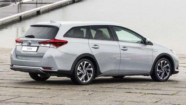 Toyota Auris Touring Sports отримав «позашляхову» версію Freestyle