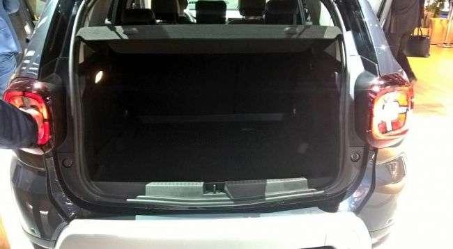 Зявилися «живі» фото кросовера Renault Duster нового покоління
