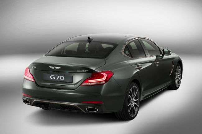Преміальний седан Genesis G70 розсекретили до презентації