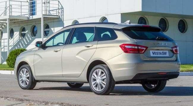Інсайдер назвав дату початку продажів нових версій Lada Vesta