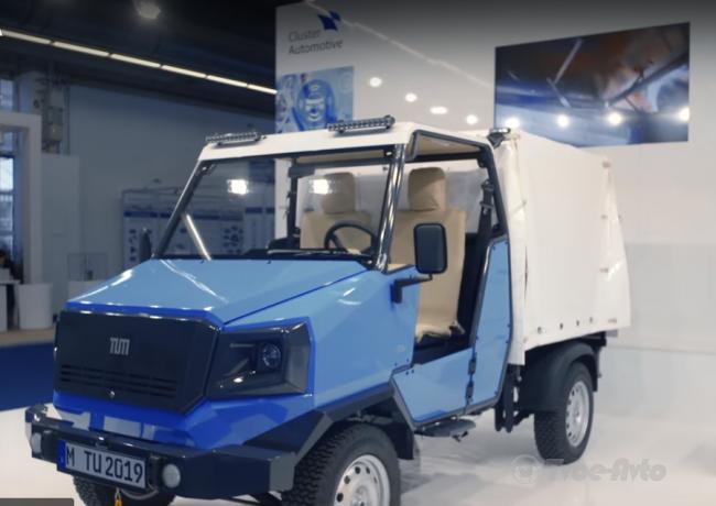 У Франкфурті показали електромобіль для сільських доріг Африки