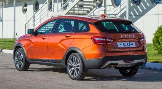 Названа вартість Lada Vesta SW і Lada Vesta SW Cross в Росії