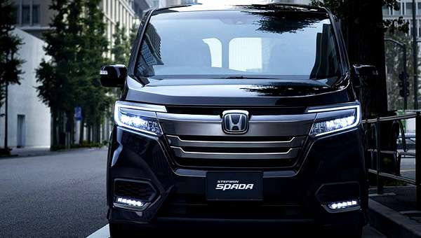 Стартували продажі оновленого мінівена Honda Stepwgn