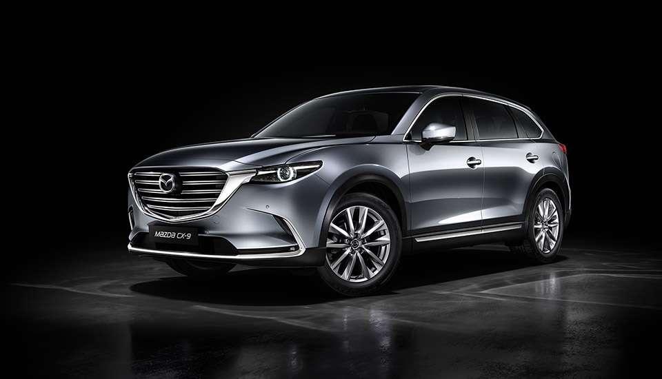 Названа дата поновлення продажів кросовера Mazda CX-9 в Росії